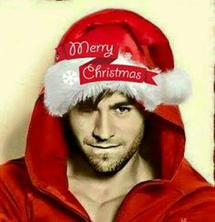 Ooh he can be my Christmas present! ❤