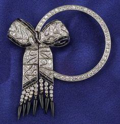 Art Deco Platinum, Diamond, and Onyx Brooch
