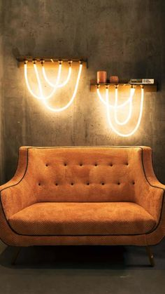 Design Hotel, House Design, Room Decor Bedroom, Living Room Decor, Living Spaces, Living Rooms, Wall Lamps For Bedroom, Cool Bedroom Lighting, Mesa Home Office
