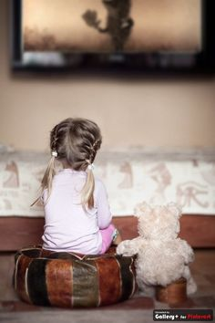 little girls and their teddy bears :) Cool Baby, Baby Kind, Baby Love, Little People, Little Ones, Little Girls, Cute Kids, Cute Babies, Kind Photo