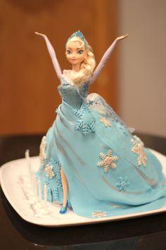 Frozen Elsa doll cake. #Frozen #Elsa