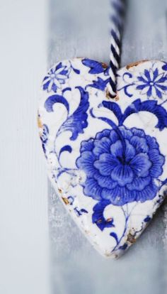 Ana Rosa ~ Blue and White heart ~ Blue And White China, Love Blue, Blue China, Delft, Azul Indigo, I Love Heart, White Decor, Something Blue, Color Azul