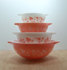 gooseberry pink, pyrex, bowls, vintage, retro, mid century, kitchen
