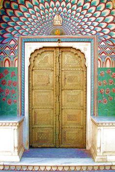 Peacock Door, City Palace, Jaipur,India Was there 2 days ago. Cool Doors, Unique Doors, Portal, City Palace Jaipur, Bd Art, Indian Interiors, Closed Doors, Door Knockers, Doorway