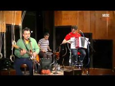 ▶ They Might Be Giants 'Cloisonné' (Live Stream At Music Feeds Studio) - YouTube