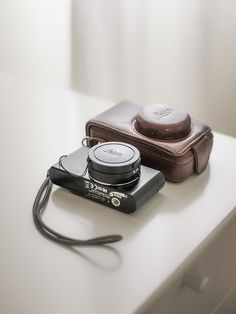 Leica - The D-LUX and its leather case
