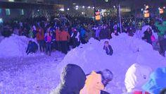 Snowless Seattle breaks snowball fight record