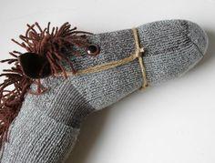Pferdekopf basteln aus Socke