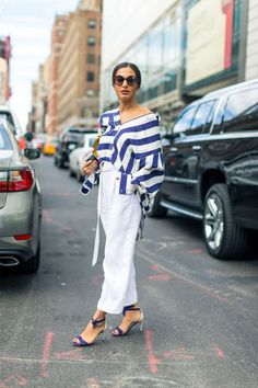 White pants outfit and style inspiration | For more style inspiration visit 40plusstyle.com