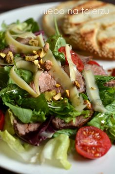 niebo na talerzu: Sałatka z pomidorków i polędwiczki. Polędwiczki na sałacie w sosie miodowo-balsamicznym