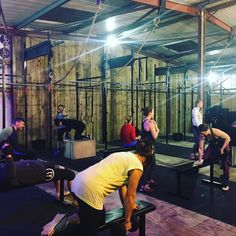 Getting our Wednesday night pump on!  3 x 10 DB bench press  3 x 10 Single arm bent over row  WOD  50 Cal row 50 Ring dips 50 SDLHP 32/24 50 Hand release press ups  #armpump #oldskool #edccrossfit #girlsonly