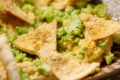 Geloof het of niet, maar chips kan ook gezond zijn! Serveer dit vegetarisch aperitiefhapje bomvol smaak in plaats van de traditionele zoute koekjes.