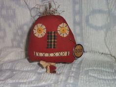 Primitive Pumpkin on Rusty Bolt  Dark by RustyThimbleBoutique, $9.99