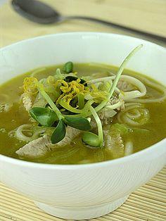 Zupa z porów z makaronem udon