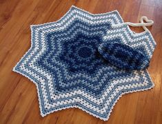 My favorite RR -- Carlinda Lewis' Granny Ripple Mommy & Me Set.  Patterns available for both the blanket & tote.