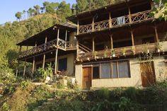 Himalayan Orchard Hut Himalayan, Cabin, India, House Styles, Home Decor, Goa India, Decoration Home, Himalayan Cat, Room Decor