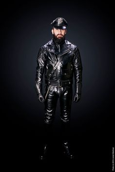 Just a Leather addicted Guy From Germany Leather Men, Leather Boots, Cop Uniform, Gay, Black Men, Men Dress, Mens Fashion, Superhero, How To Wear