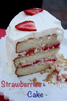 Strawberries & Cream Cake | @CupcakeKaleChip #strawberries #whippedcream #cake #dessert