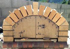 Construction du Four à pain/pizza - Mon four à pain en briques réfractaires Wood Oven, Wood Fired Oven, Wood Fired Pizza, Fire Pit Heater, Fire Pit Grill, Build Outdoor Kitchen, Outdoor Kitchen Design, Barbecue Four A Pizza, Brick Grill