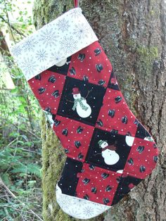 Snowman Quilted Christmas Stocking by quiltedoccasions on Etsy, $25.00 Snowman Quilt, Snowman Hat, Christmas Projects, Christmas Ideas, Quilted Christmas Stockings, Christmas Quilting, Winter Holidays, Snowflakes, Seasons