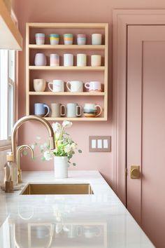 Pastel Kitchen Decor, Pastel Home Decor, Pastel Interior, Pink Kitchen Walls, Pink Kitchen Interior, Pink Kitchen Cabinets, Pink Kitchen Designs, Pastel Bathroom, Kitchen Wall Design