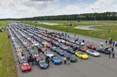 700 Maxda MX-5s Descend Upon The Netherlands