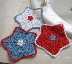 In honor of Independence Day, July 4th, I have designed this sweet little dish cloth, which can also be used as a wash cloth if you prefer....