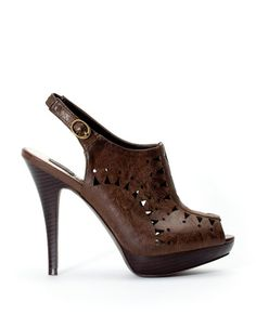 """""""Stamp-cut slingback shoes"""" by Stradivarius"""