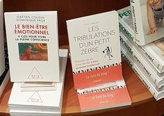 Merci à Laeti Blue pour cette photo !!! Le Livre mis en évidence chez Payot Libraire place Pépinet de Lausanne :D  Et en ligne sur ➯ http://amzn.to/28bxVJe  -    Paru chez Eyrolles