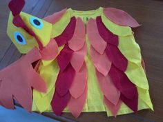 Rooster Costume, DIY with felt Chicken Halloween, Halloween Kids, Halloween Crafts, Rooster Costume, Bird Costume, Creative Costumes, Diy Costumes, Halloween Costumes, Fish Costume Kids