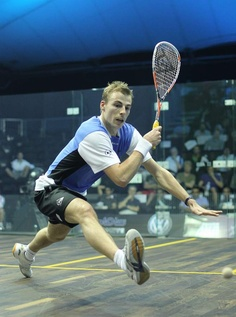(#31) Nick Matthew, Inghilterra (25/7/1980). Nel febbraio 2012 ritorna al numero 1 della classifica mondiale di #squash per la terza volta e vi rimane per 1 solo mese. Tennis Racket, Human Body, Squash, Competition, Health Fitness, Sports, Athlete, Pumpkins, Gourd