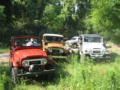 FJ40's airing down for a ride of the Paradise Property in Hammond, LA.