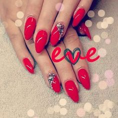 red almond nails <3