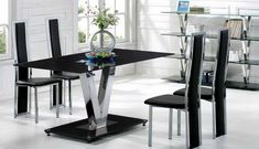 Modern kitchen table set with 4 chairs. Photos Black kitchen table with 4 chairs. Dining Room Design, Dining Room Furniture, Dining Room Table, Black Glass Dining Table, Glass Table, Modern Kitchen Tables, Restaurants, Country Dining Rooms, Hotel Restaurant