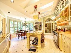 This kitchen is gorgeous.