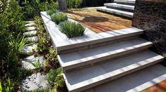 Custom Concrete Patio Step Ideas - How to Create Patio Steps . Patio Steps, Outdoor Steps, Backyard Patio, Backyard Landscaping, Patio Design, Garden Design, Concrete Steps, Diy Concrete, Concrete Porch