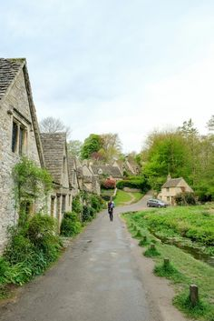 Three Days in the Cotswolds: A Complete Itinerary to the most charming villages in England | Arlington Row in Bibury