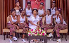 Nigerian Wedding Alternatives to bridal robes LoveWeddingsNG 3 African Bridesmaid Dresses, African Wedding Dress, Princess Wedding Dresses, Dream Wedding Dresses, Cinderella Wedding, Brides And Bridesmaids, Bridesmaid Robes, Nigerian Bride, Nigerian Weddings