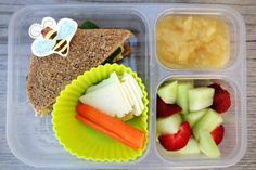 Hummus & cheese sandwich (topped with a few spinach leaves) Carrots Cheese slices Honeydew melon Strawberries Applesauce Healthy Lunches For Kids, Lunch Snacks, Kids Meals, Kid Lunches, Healthy Food, Healthy Meals, Healthy Eating, New Recipes, Real Food Recipes