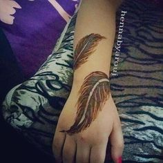 Tried something different  #hennainspire #henna #hennapro #hennaink #hennatattoo #mehndi #bride #mehndicolor #hennalove #hennalover #tattoo #ink #bridalhenna #TagsForLikes #like4like #hennaartist #art #design #instaart #colors #follow #handhenna #blackhenna #photooftheday #instaq8 #instatattoo #instahenna #bodyart #kuwait #likes4likes