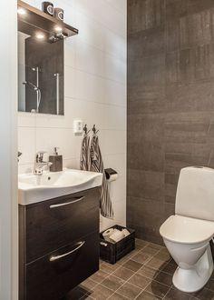 Kärngården - stort hus med mycket ljusinsläpp från Myresjöhus Double Vanity, How To Plan, Bathroom, Building, House, Ideas, Washroom, Home, Full Bath