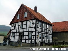 1-2-Familienhaus mit Nebengebäude, Garage und Carport in Freden!