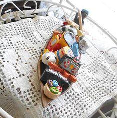Clay MOVING DAY CANOE Rowing Man Tv Radio Pots Table Guitar Tennis Columbia Folk Art Pottery Travel Souvenir Handmade Vibrant Painted Color