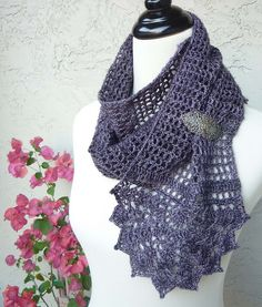 Blossomy scarf by MyDailyFiber. Pattern available through Ravelry or Etsy.