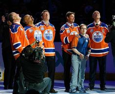 Former Oilers Paul Coffey, Grant Fuhr, Jari Kurri, Wayne Gretzky and Mark Messier along with longtime dressing room attendant Joey Moss watch as a banner is lowered during the closing ceremonies at Rexall Place April Mark Messier, Hockey Logos, Penguin Love, Wayne Gretzky, Edmonton Oilers, Hockey Players, Ice Hockey, Penguins, Penguin