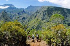 Le Grand Raid de l'île de la Réunion - Google Search Trekking, Grand Raid, Voyage Reunion, Trail Races, Excursion, Study Abroad, Hiking Trails, Mafia, Mount Rainier