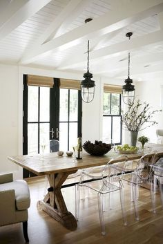 Lasting farmhouse dining room table and decorating ideas (48)