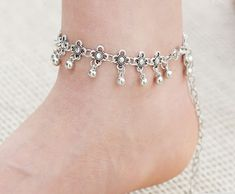 Hot Silver Plated Anklets for Women Vintage Bracelet Bohemian Flower chaine cheville barefoot, TripleClicks, SFI Bohemian Bracelets, Fashion Bracelets, Diamond Bracelets, Beaded Bracelets, Art Deco, Bohemian Flowers, Online Fashion Stores, Sea Glass Jewelry, Vintage Bohemian