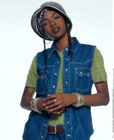 An entry from All Things Lauryn Hill Black 90s Fashion, B Fashion, Hip Hop Fashion, Beautiful Dark Skinned Women, Beautiful Black Women, 90s Hip Hop Outfits, Ms Lauryn Hill, Lauren Hill, Vintage Black Glamour