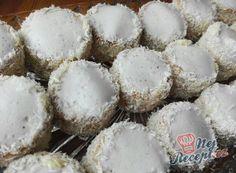 Vánoční cukroví - recepty na vánoční pečení | NejRecept.cz Graham Crackers, Coco, Cupcake Cakes, Nutella, Stuffed Mushrooms, Muffin, Food Porn, Food And Drink, Cooking Recipes
